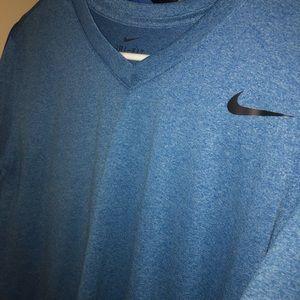 Nike Men's Vneck